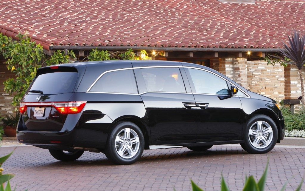 Honda Odyssey Touring Elite Makes Smartest Family Cars Of